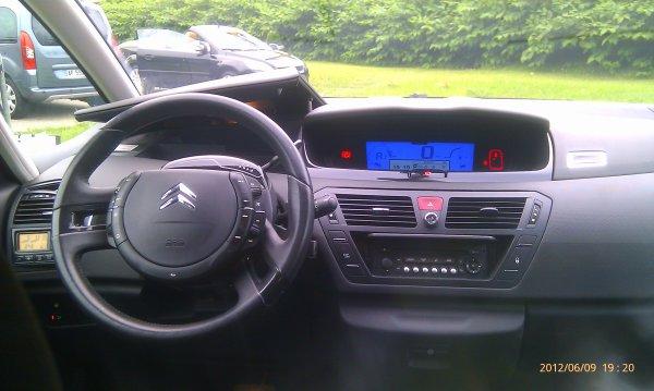 grand c4 picasso 7 places hdi 110 exclusive 70000kms boite auto 6 avec palettes au volant vendu. Black Bedroom Furniture Sets. Home Design Ideas