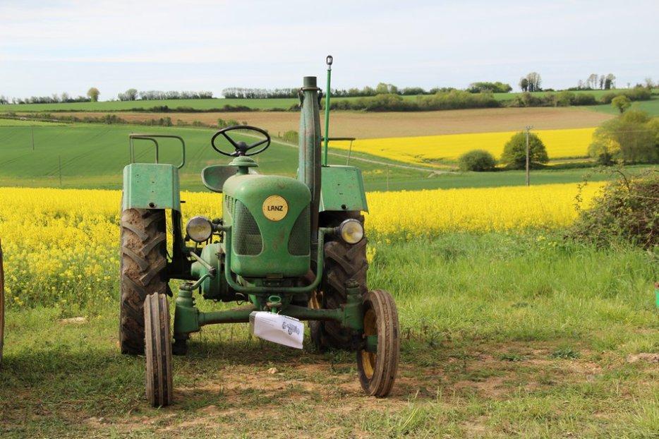 un 411 parmi les tracteurs agricoles à PEZET LE ROBERT (72) 3160370644_2_10_5Z3N5tVZ