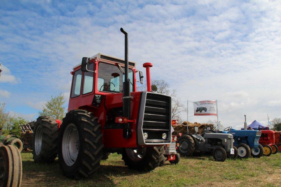 un 411 parmi les tracteurs agricoles à PEZET LE ROBERT (72) 3160370940_2_12_x3iiPlTa