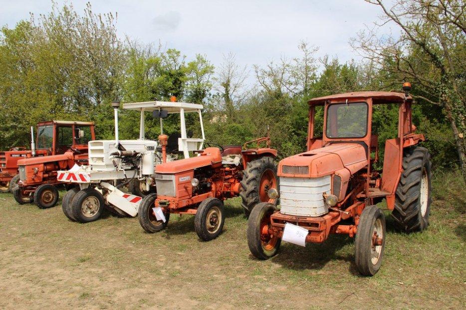 un 411 parmi les tracteurs agricoles à PEZET LE ROBERT (72) 3160370940_2_2_nRJmeXWt